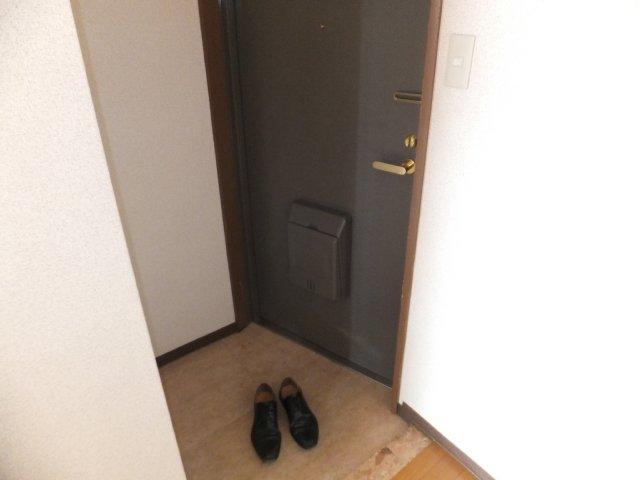 メゾン21 301号室の玄関