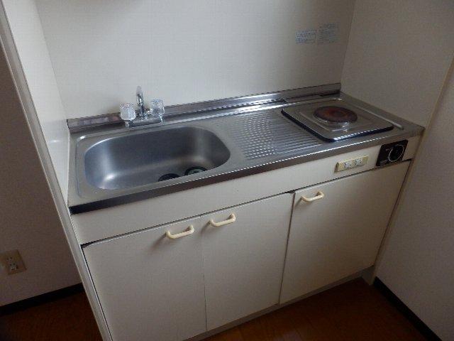 シャリエ中村 301号室のキッチン