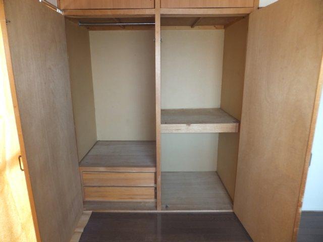 第二ラインビル 205号室の収納