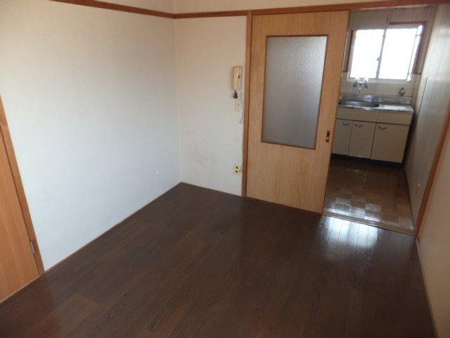 第二ラインビル 205号室のその他