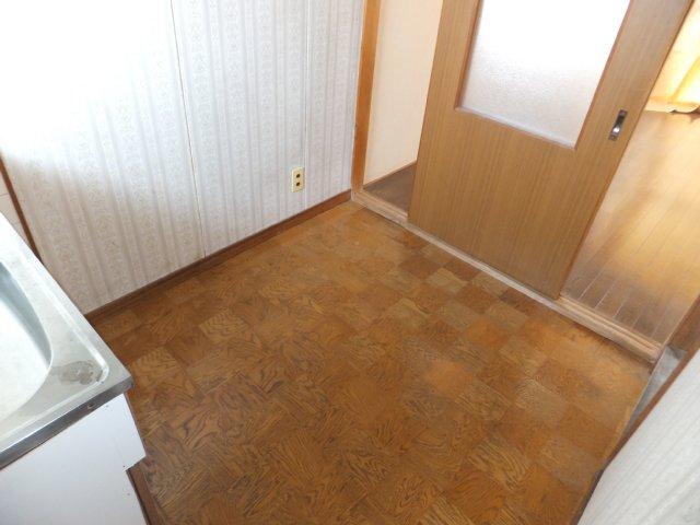 第二ラインビル 205号室のリビング
