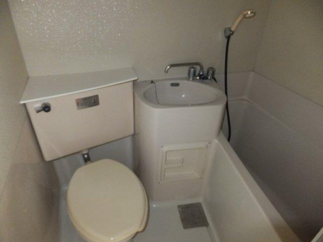第二ラインビル 205号室の風呂