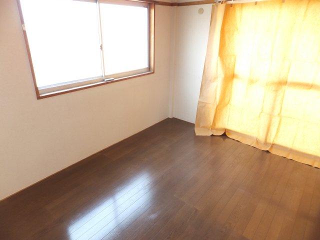 第二ラインビル 205号室のベッドルーム