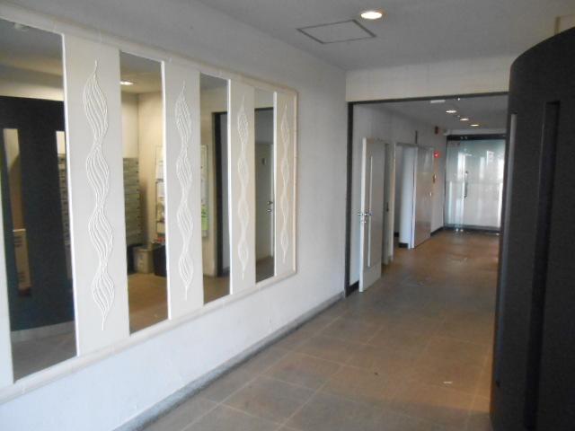 SK BUILDING-21 3B号室のエントランス