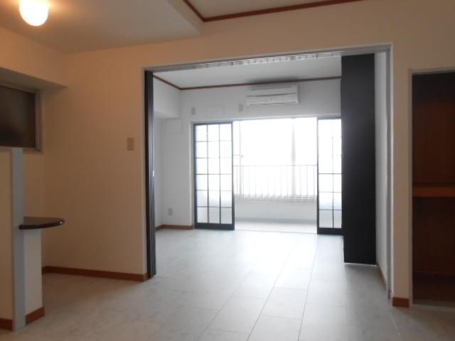 SK BUILDING-21 3B号室のリビング