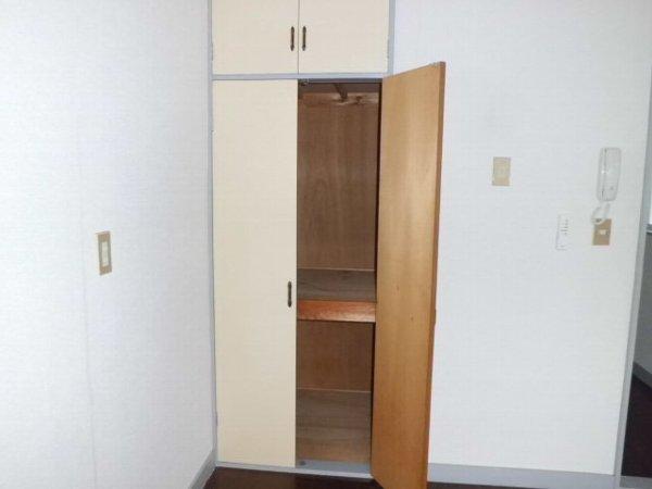 ベルリバー金沢文庫C棟 203号室の収納