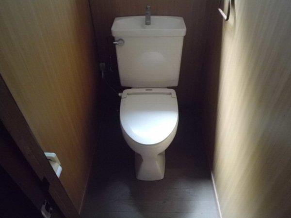 かじや荘 201号室のトイレ