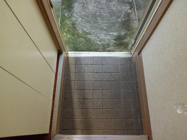 和光ハイツD 102号室の玄関