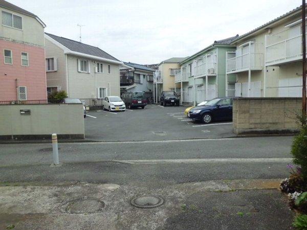 和光ハイツ1の駐車場