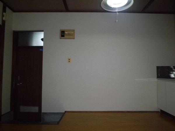 第三グリーンハイム 201号室のリビング