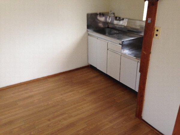 第三グリーンハイム 201号室のキッチン