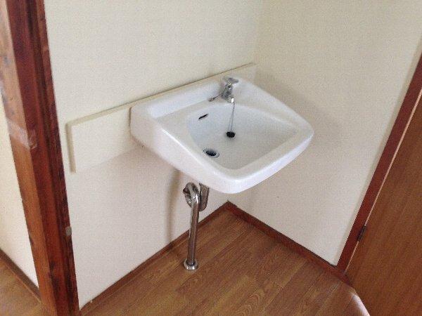 第三グリーンハイム 201号室の洗面所