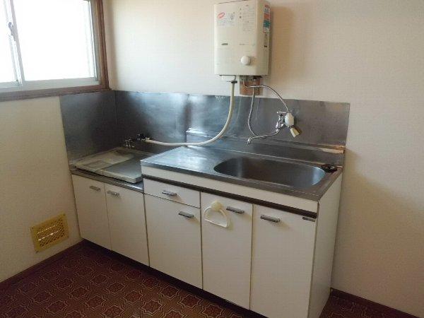 大井ハイム 201号室のキッチン