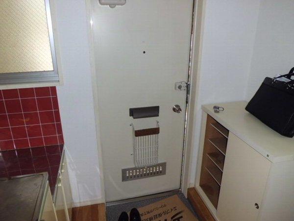 リーベマルサン B 103号室の玄関