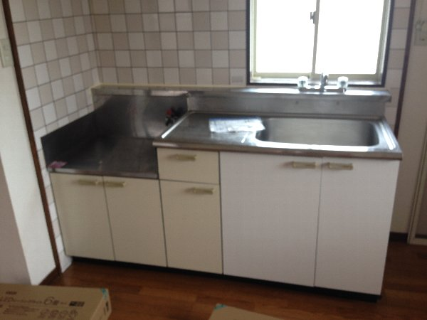 シャルム高舟台 2号室のキッチン