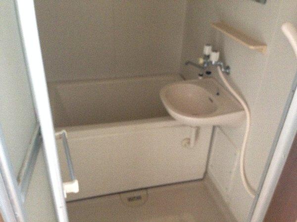 シャルム高舟台 2号室の風呂