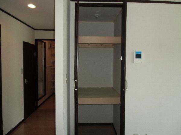 シェモア金沢文庫A棟 101号室の収納
