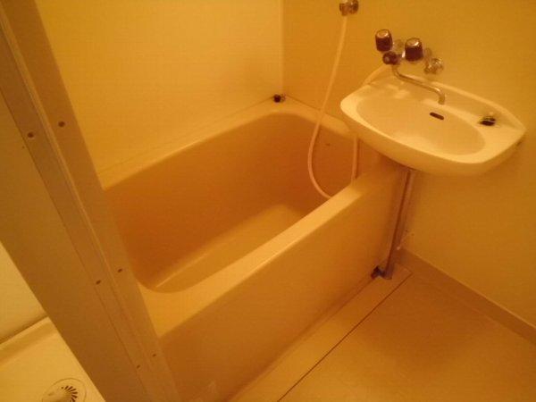 ブルーグレース八景 303号室の風呂