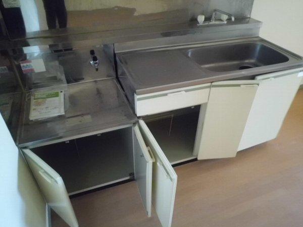 ブルーグレース八景 303号室のキッチン