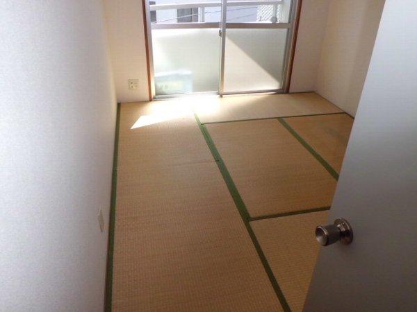 ブルーグレース八景 303号室のリビング