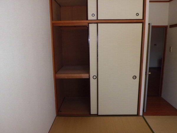 ブルーグレース八景 303号室の収納