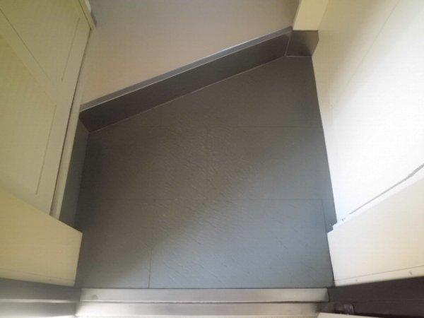 梅林の丘マンション 208号室の玄関