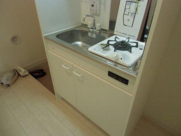 セレーノ金沢八景 101号室のキッチン