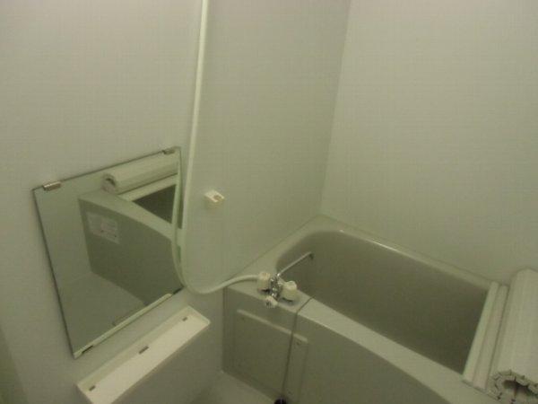 セレーノ金沢八景 101号室の風呂