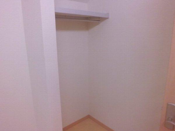 ヴィクトワール 205号室の収納