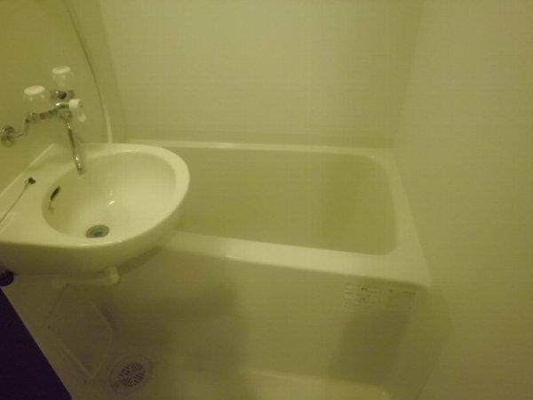 ヴィクトワール 205号室の風呂