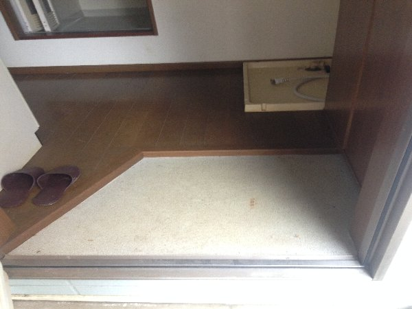 N.K.ハイツ 202号室の玄関