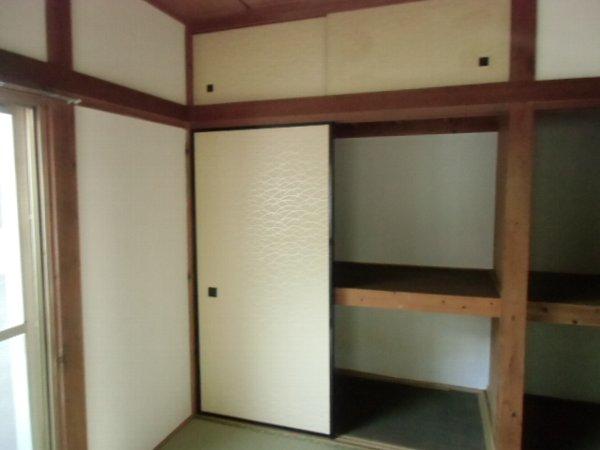 三春ハイツ 102号室の収納