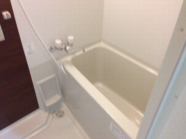 ビューレ金沢八景 101号室の風呂