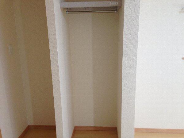ビューレ金沢八景 101号室の収納