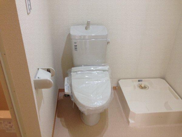 ビューレ金沢八景 101号室のトイレ