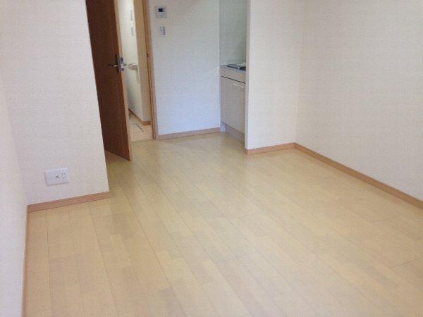 ビューレ金沢八景 102号室のリビング