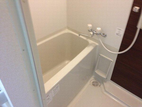 ビューレ金沢八景 102号室の風呂
