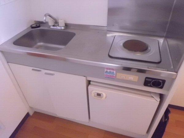 コリーヌ 103号室のキッチン