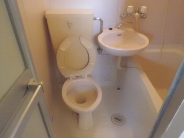 コリーヌ 103号室のトイレ