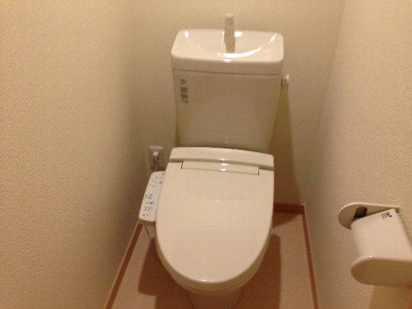 シェモア杉田 101号室のトイレ