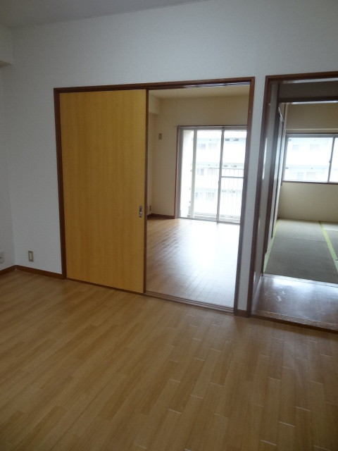 ユミサマリア 403号室のベッドルーム