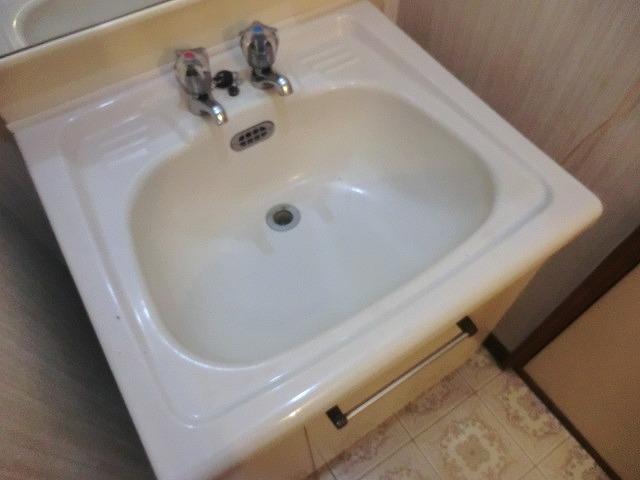 コーポ泉 202号室の洗面所