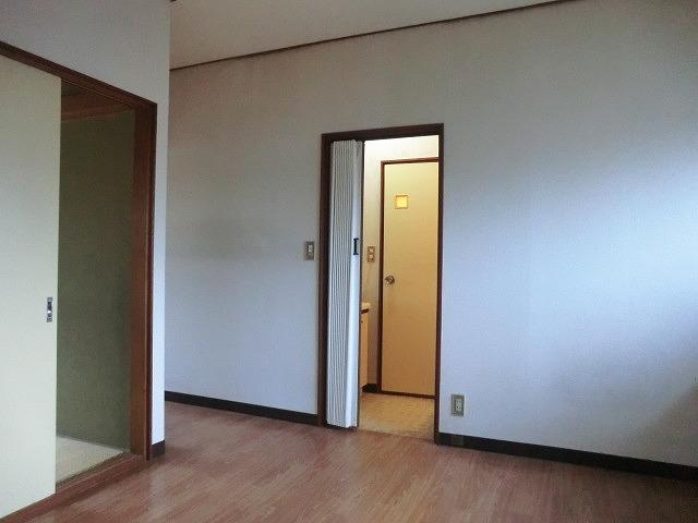 コーポ泉 202号室の居室