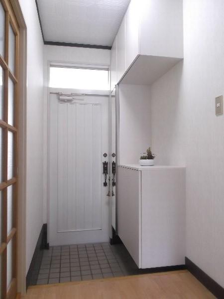 コーポオオゴE棟 103号室の玄関