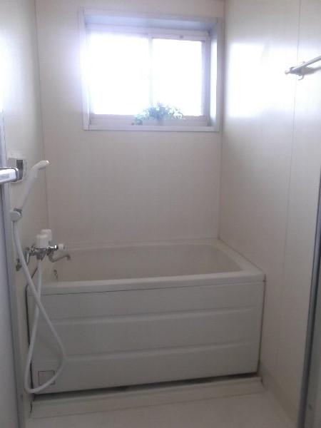 コーポオオゴE棟 103号室の風呂