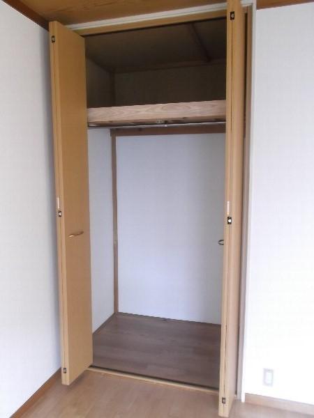 コーポオオゴE棟 103号室の収納