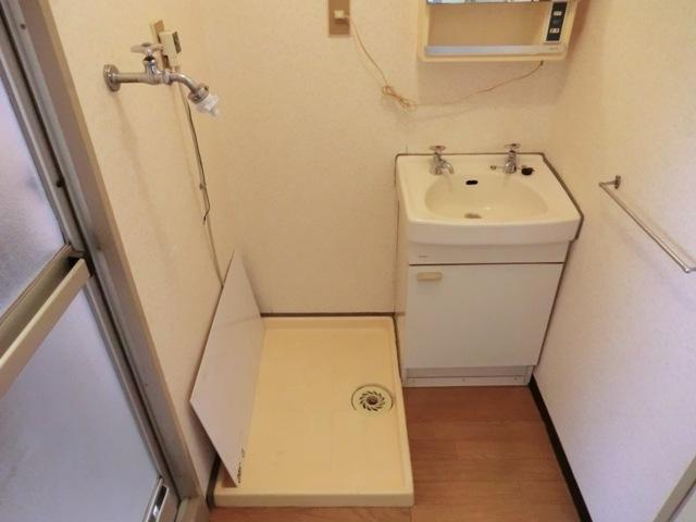 第2西形マンション 302号室の洗面所