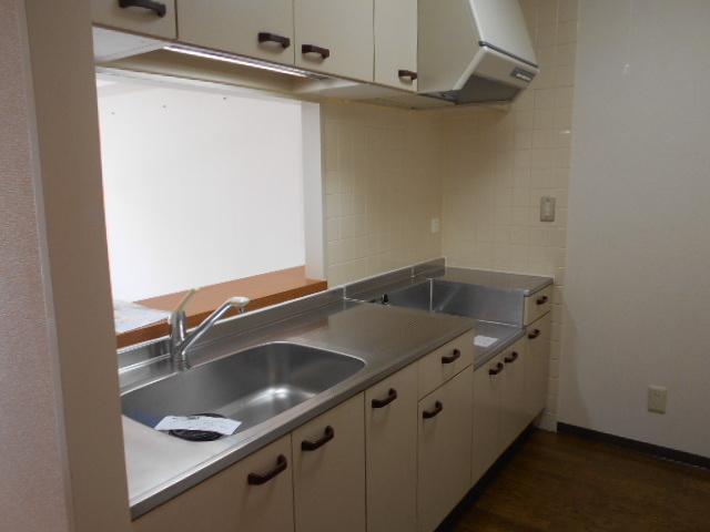 コーポレート浦和中島1号棟 401号室のキッチン
