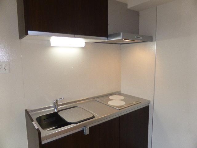 ウイングB 101号室のキッチン