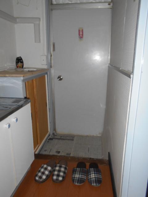 栄和荘 103号室の玄関